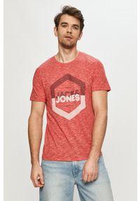 Jack & Jones - T-shirt. Okazja: na co dzień. Kolor: czerwony. Materiał: dzianina. Wzór: nadruk. Styl: casual
