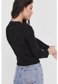 Answear Lab - Sweter. Kolor: czarny. Materiał: dzianina. Styl: wakacyjny