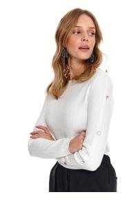 TOP SECRET - Sweter długi rękaw damski z guzikiem dopasowany. Kolor: biały. Materiał: materiał. Długość rękawa: długi rękaw. Długość: długie. Sezon: wiosna