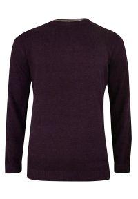 Czerwony sweter Adriano Guinari na co dzień, elegancki