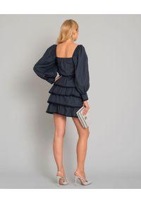 LOVE & ROSE - Sukienka z falbanami Kristie. Typ kołnierza: dekolt w kształcie V. Kolor: niebieski. Materiał: koronka, bawełna. Wzór: koronka, kwiaty