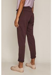 Fioletowe spodnie dresowe medicine gładkie