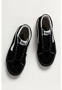 Vans - Trampki skórzane. Nosek buta: okrągły. Zapięcie: sznurówki. Kolor: czarny. Materiał: skóra. Szerokość cholewki: normalna