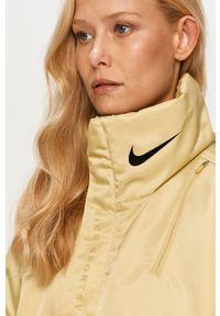 Zielona kurtka Nike Sportswear bez kaptura