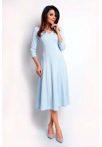Nommo - Niebieska Elegancka Rozkloszowana Sukienka z Dekoltem V. Kolor: niebieski. Materiał: wiskoza, poliester. Styl: elegancki
