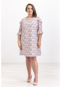 Szara sukienka Moda Size Plus Iwanek na wiosnę, z falbankami
