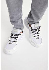 Sneakersy Versace Jeans Couture z aplikacjami, na sznurówki, z okrągłym noskiem