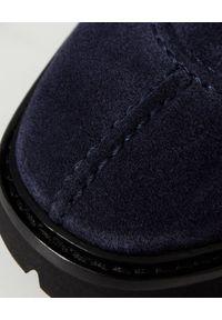 MANOLO BLAHNIK - Granatowe derby z zamszu Edad. Okazja: na co dzień. Kolor: niebieski. Materiał: zamsz. Styl: klasyczny, casual
