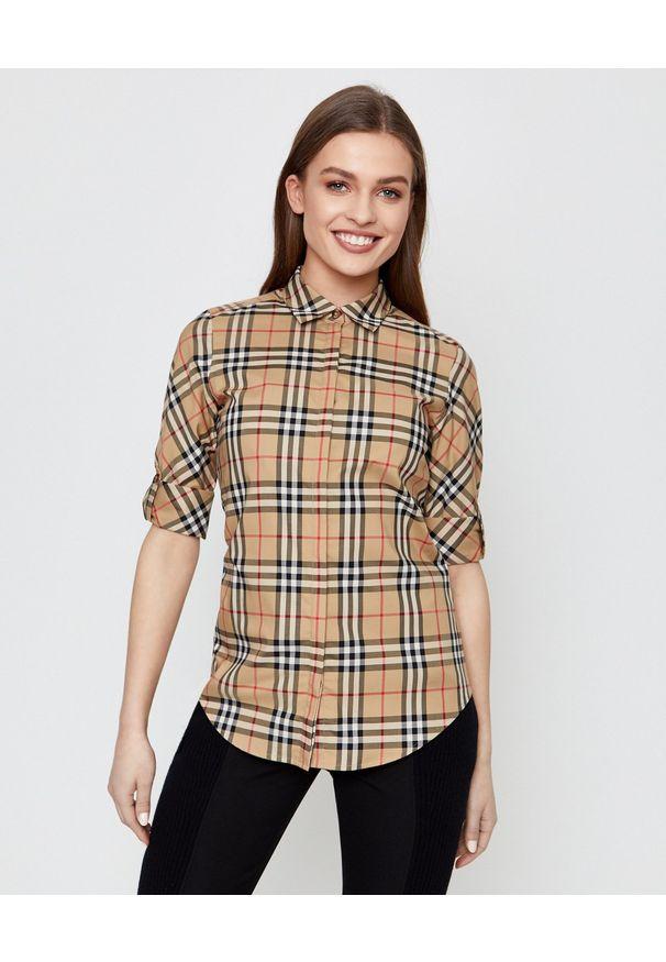 Burberry - BURBERRY - Bawełniana koszula w kratę. Kolor: beżowy. Materiał: bawełna. Wzór: aplikacja, kratka. Styl: klasyczny, vintage, elegancki