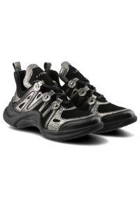 Czarne buty sportowe Carinii