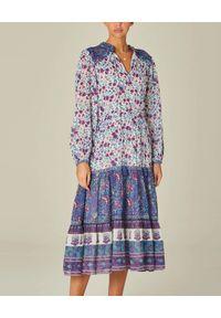 M.A.B.E - Sukienka midi Alma. Typ kołnierza: dekolt w serek. Kolor: niebieski. Materiał: bawełna, tkanina. Długość rękawa: długi rękaw. Wzór: kwiaty. Typ sukienki: rozkloszowane. Styl: elegancki. Długość: midi