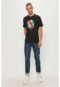 Czarny t-shirt Converse na co dzień, casualowy, z okrągłym kołnierzem, z nadrukiem