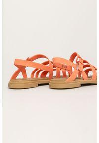 Pomarańczowe sandały Crocs na klamry, bez obcasa