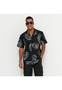 House - Koszula z krótkim rękawem - Czarny. Kolor: czarny. Długość rękawa: krótki rękaw. Długość: krótkie