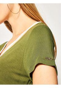 Liu Jo Sport Sukienka letnia TA0201 J6998 Zielony Loose Fit. Okazja: na co dzień. Kolor: zielony. Sezon: lato. Typ sukienki: proste, sportowe. Styl: sportowy, casual