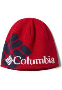 Czerwona czapka columbia na zimę