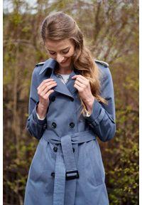Marie Zélie - Trencz Adria bawełna z elastanem szarobłękitny. Kolor: niebieski. Materiał: bawełna, elastan. Sezon: lato. Styl: klasyczny #4