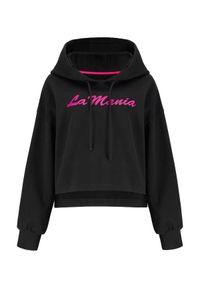 LA MANIA - Czarna bluza z kapturem Olimpia. Typ kołnierza: kaptur. Kolor: czarny. Długość rękawa: długi rękaw. Długość: długie. Wzór: napisy, nadruk, aplikacja. Sezon: lato, wiosna #3