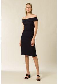 IVY & OAK - Sukienka. Typ kołnierza: dekolt hiszpanka. Kolor: czarny. Materiał: tkanina, poliester. Wzór: gładki. Typ sukienki: dopasowane
