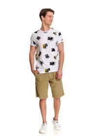 Biały t-shirt TOP SECRET z nadrukiem, z krótkim rękawem, z okrągłym kołnierzem, na lato