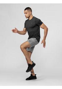 4f - Spodenki treningowe męskie. Kolor: szary. Materiał: włókno, dzianina. Sport: fitness
