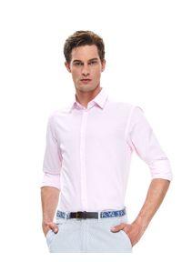 TOP SECRET - Koszula wizytowa dopasowana. Kolor: różowy. Materiał: bawełna, tkanina. Długość rękawa: długi rękaw. Długość: długie. Sezon: lato, wiosna. Styl: wizytowy