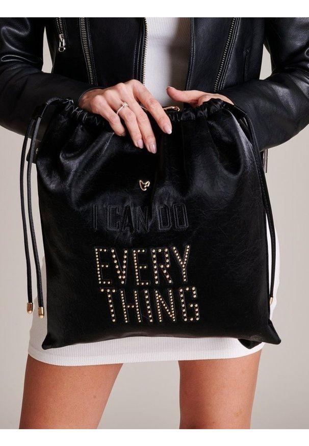 Czarny plecak FEMESTAGE Eva Minge z aplikacjami