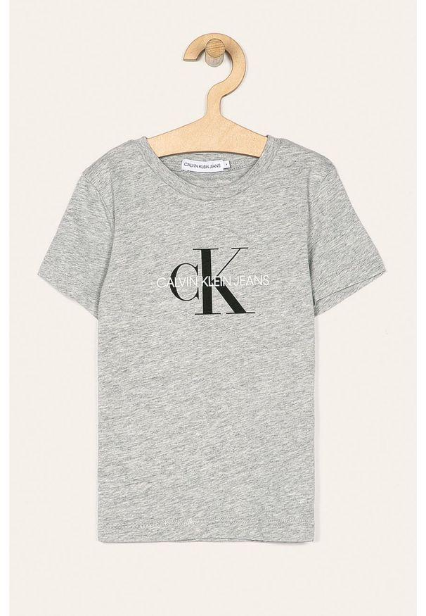Szary t-shirt Calvin Klein Jeans z nadrukiem, z okrągłym kołnierzem, na co dzień, casualowy