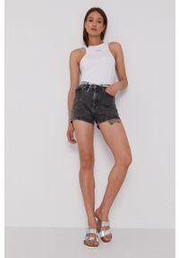 Calvin Klein Jeans - Szorty jeansowe. Okazja: na co dzień. Stan: podwyższony. Kolor: szary. Styl: casual