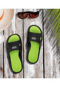 LANO - Klapki męskie basenowe Lano KL-4-0401 Black/Green. Okazja: na plażę. Zapięcie: bez zapięcia. Materiał: guma. Obcas: na obcasie. Wysokość obcasa: niski. Sport: pływanie