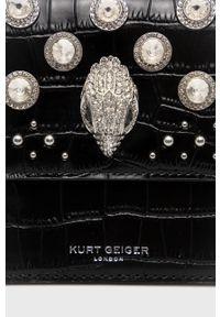 Kurt Geiger London - Torebka. Kolor: czarny. Wzór: aplikacja. Dodatki: z aplikacjami. Rodzaj torebki: na ramię