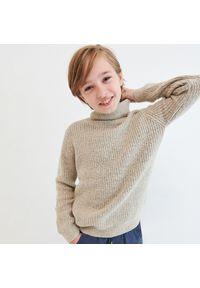 Beżowy sweter Reserved z golfem, melanż
