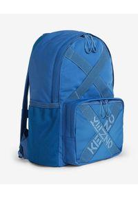 Kenzo - KENZO - Niebieski plecak z logo Sport. Kolor: niebieski. Materiał: materiał. Wzór: aplikacja. Styl: sportowy