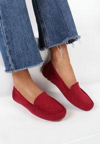 Born2be - Bordowe Mokasyny Cahryera. Nosek buta: czworokąt. Kolor: czerwony. Wzór: jednolity. Obcas: na płaskiej podeszwie. Styl: klasyczny