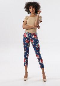 Niebieskie spodnie materiałowe Born2be