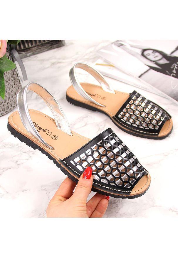 Czarne sandały El Pimpi w ażurowe wzory, eleganckie