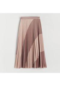 Reserved - Plisowana spódnica midi - Beżowy. Kolor: beżowy