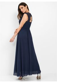 Niebieska sukienka bonprix maxi, w koronkowe wzory