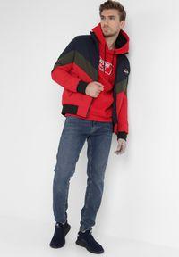 Born2be - Czerwona Bluza Lycapius. Typ kołnierza: kaptur. Kolor: czerwony. Materiał: bawełna, dzianina, polar, guma. Wzór: nadruk