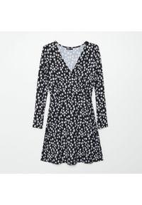 Czarna sukienka Cropp kopertowa