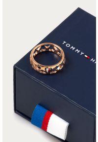 Złoty pierścionek TOMMY HILFIGER metalowy