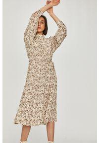 Beżowa sukienka Answear Lab midi, prosta, na co dzień