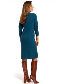 Style - Prosta sukienka z gładkiej bawełnianej dzianiny. Okazja: na co dzień. Materiał: dzianina, bawełna. Wzór: gładki. Typ sukienki: proste. Styl: casual. Długość: midi