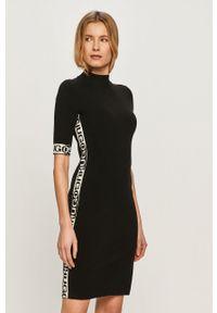 Czarna sukienka Hugo mini, casualowa, z aplikacjami