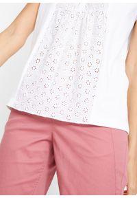 Bluzka shirtowa z haftem angielskim bonprix biały. Kolor: biały. Materiał: bawełna. Wzór: haft
