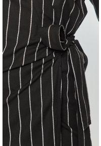 Silvian Heach - Sukienka. Kolor: czarny. Materiał: tkanina. Długość rękawa: krótki rękaw. Typ sukienki: rozkloszowane