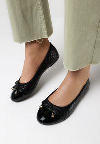 Born2be - Czarne Balerinki Idahmeni. Nosek buta: okrągły. Kolor: czarny. Materiał: jeans, lakier, skóra ekologiczna. Wzór: aplikacja. Styl: klasyczny