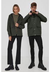 Rains - Kurtka przeciwdeszczowa 1826 Short Hooded Coat. Typ kołnierza: kaptur. Kolor: zielony