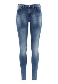 Niebieskie jeansy Zoey