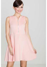 Katrus - Różowa Rozkloszowana Sukienka z Ozdobnym Suwakiem. Kolor: różowy. Materiał: poliester, elastan